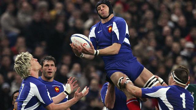 France postpone team announcement