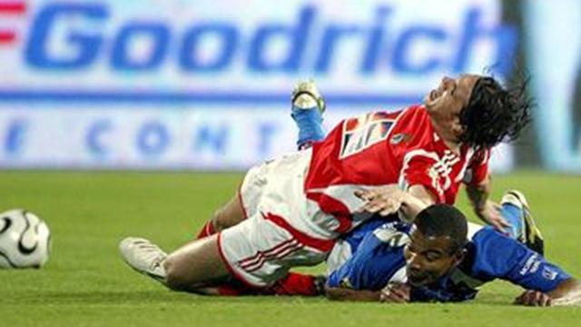 El Benfica gana pero pierde a Nuno Gomes