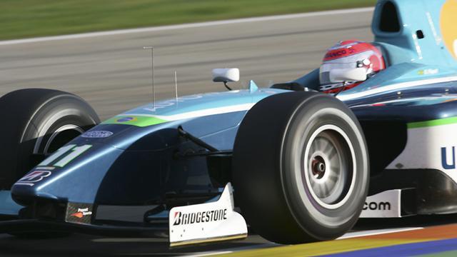 Piquet Jr. recorta ventaja