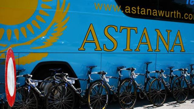 Astana with three-pronged attack