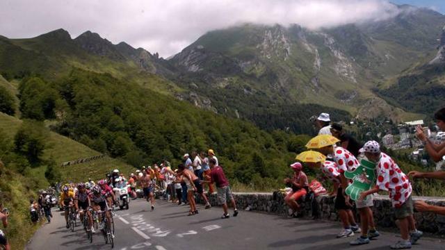 Col-ossal challenge for Tour hopefuls