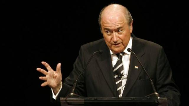 Blatter backtracks over comments