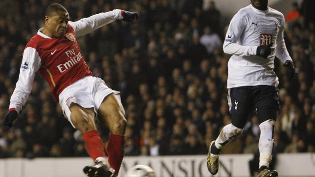 Baptista vuelve a brillar con el Arsenal