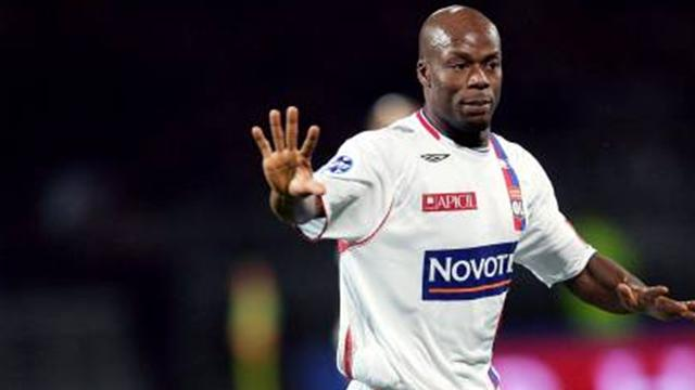 Wiltord given Lyon lifeline