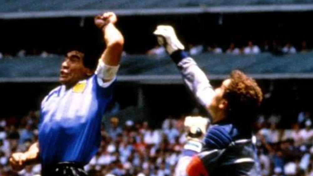 FOOTBALL 1986 World Cup Argentina-England Diego Maradona Peter Shilton