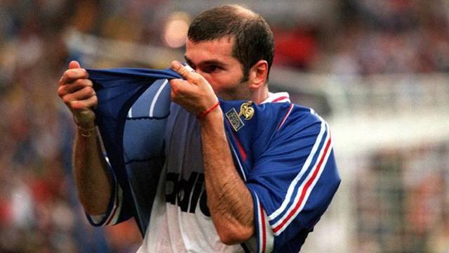 Zidane n un 12 juillet france 98 1998 football eurosport - Emmanuel petit coupe du monde 1998 ...