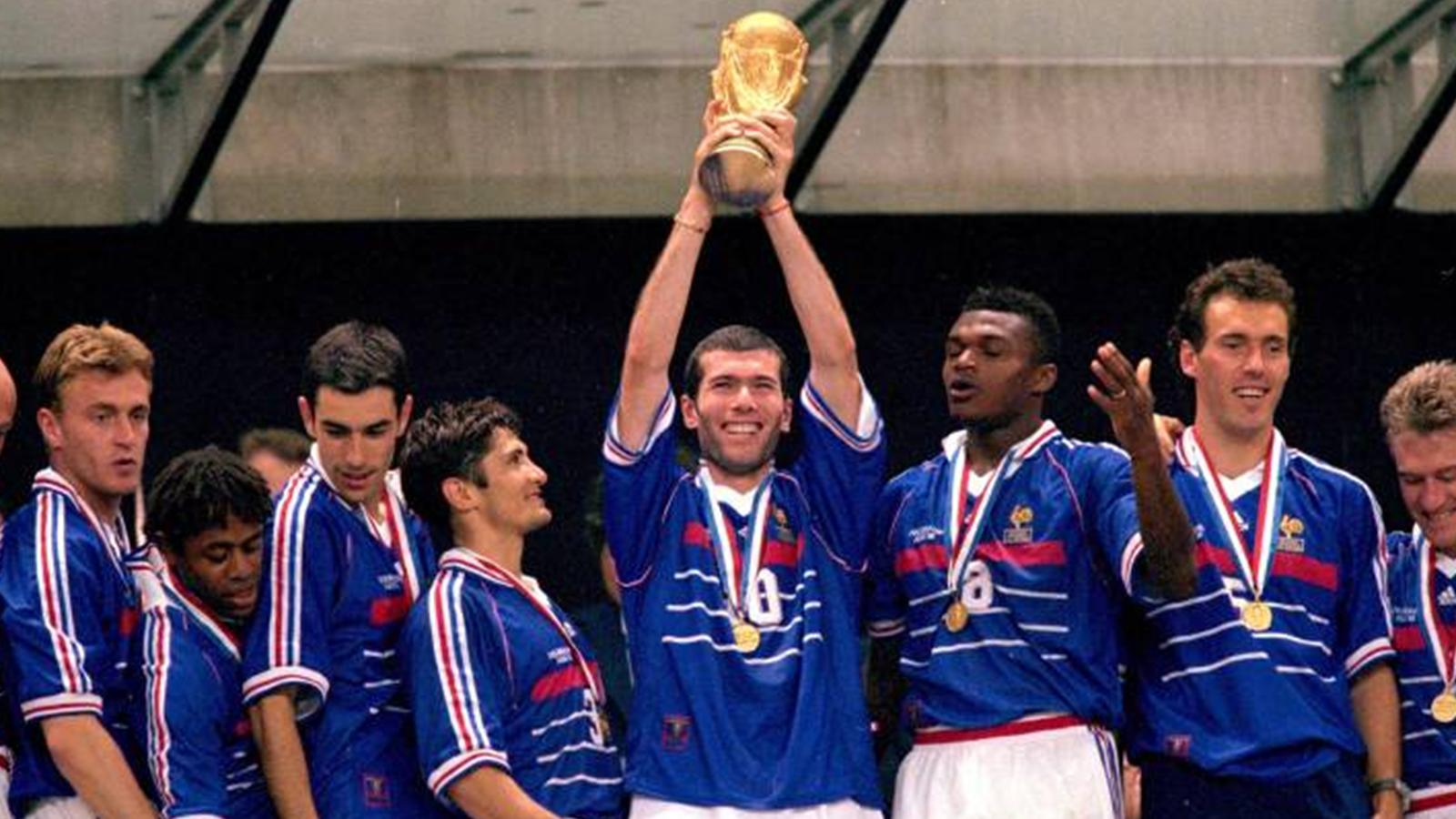 Zidane et l 39 quipe de france championne du monde en 1998 - Zidane coupe du monde 1998 ...