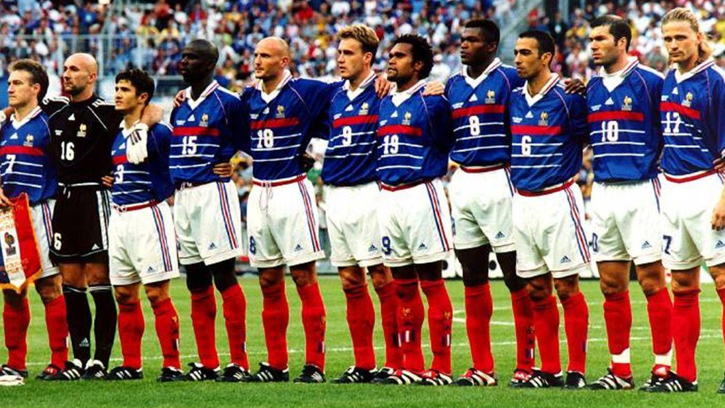 """Résultat de recherche d'images pour """"photo equipe de france de foot 1998"""""""