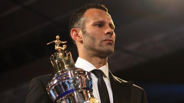 Giggs wins PFA award