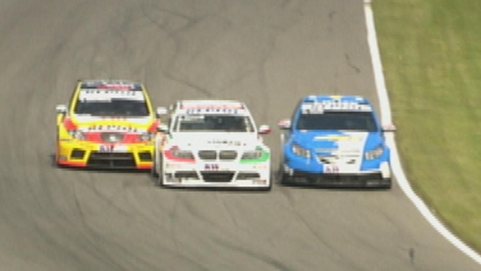 001ca02b10ae5 VIDEO - WTCC Brands Hatch Carrera - Video Eurosport