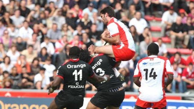 Atterrissage forcé pour Biarritz