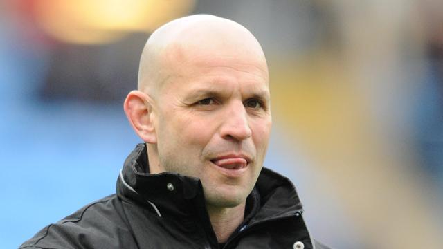 Mallinder extends contract at Northampton