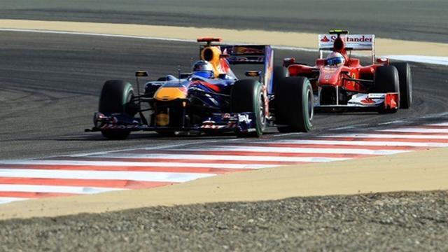 Vettel yerinde, Ferrariler takipte