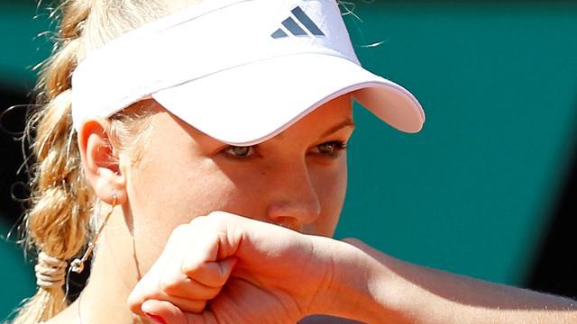 Wozniacki eases into second round
