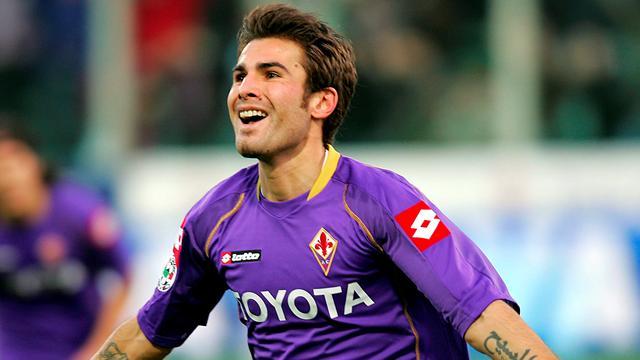 لاعب فيورنتينا الإيطالي والمنتخب الروماني ادريان موتو