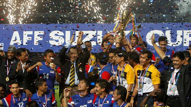 Malaysia lift first AFF Cup