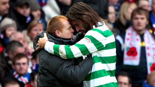 Samaras signs new Celtic deal