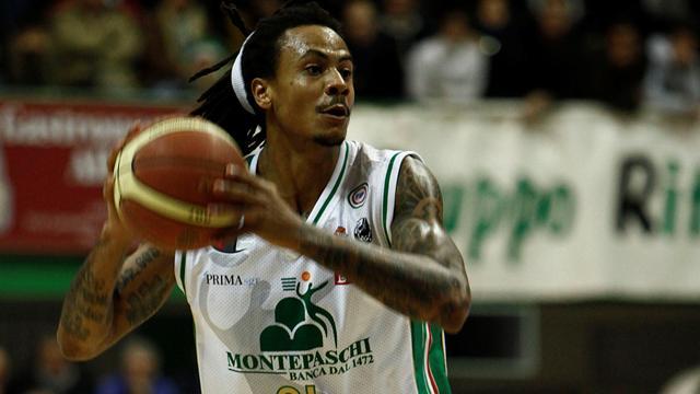 Siena avanza con Moss, cade Bologna