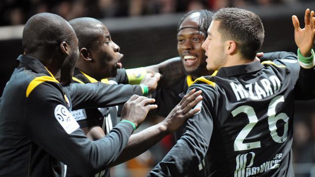 FOOTBALL 2011 Lille Gervinho Hazard Mavuba