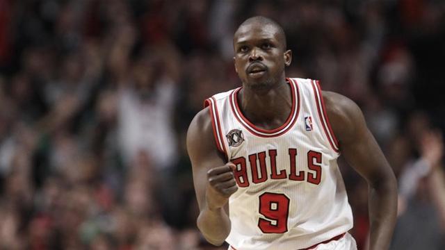 Bulls trample Celtics in home race