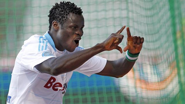 Marseille close on Lille, Arles go down