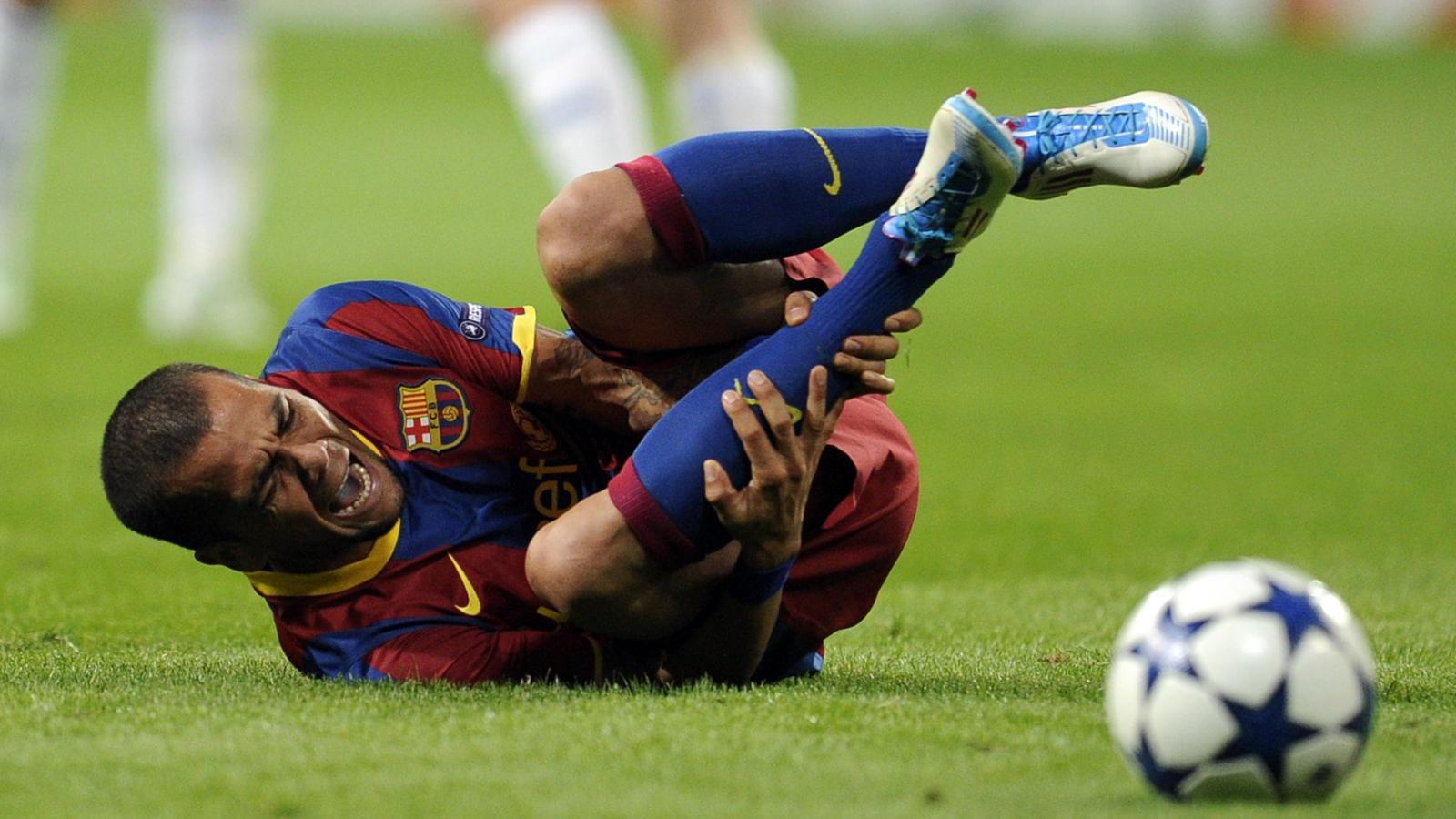 Картинки нелепых травм в футболе 2