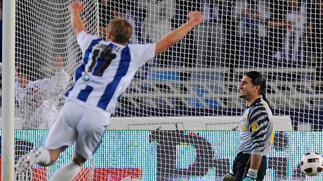 Real Sociedad shock Barcelona at Anoeta