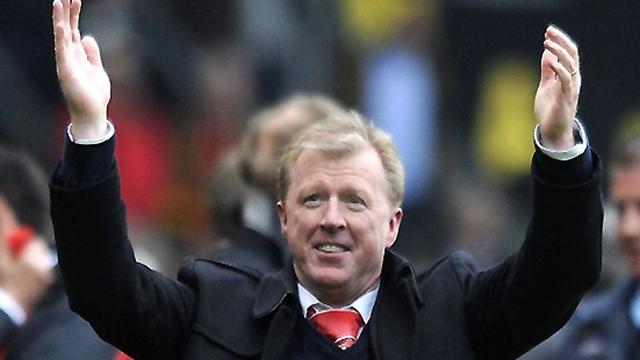 Twente sack Adriaanse; eye McClaren