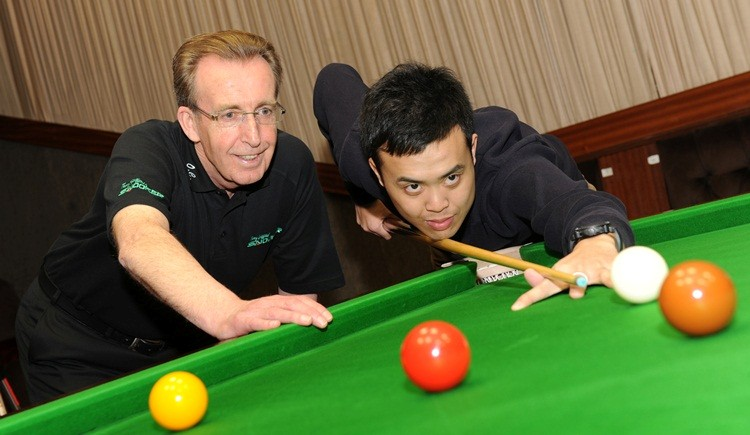 Terry Griffiths and Marco Fu