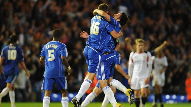 Peterborough cruise into play-off final