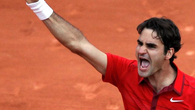 Federer snaps Djokovic winning streak