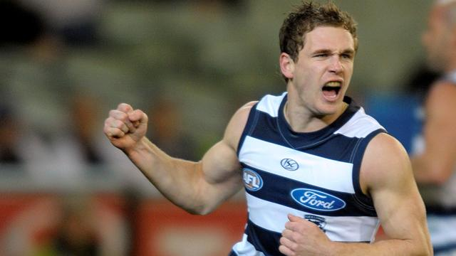 Cats beat Port to stay in AFL top eight
