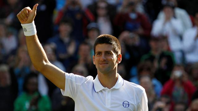 Djokovic comfortably into round three