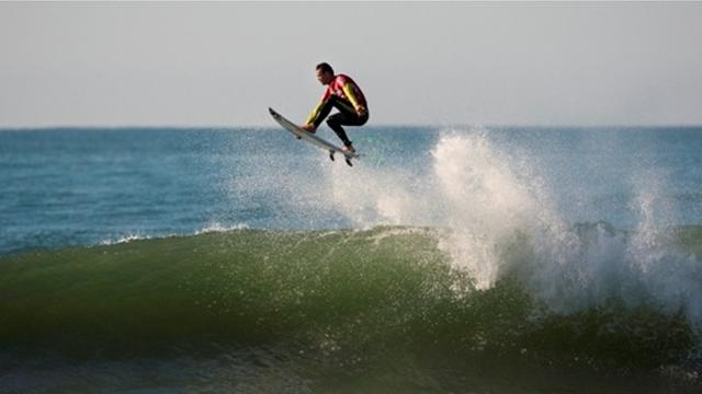 Smith flies highest at Ballito last eight decided