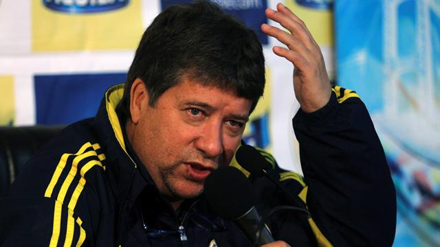 Colombia coach Gomez sorry for punching woman