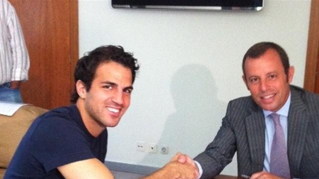 Фабрегас подписал контракт с «Барселоной»