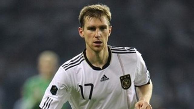 Mertesacker named in Germany squad