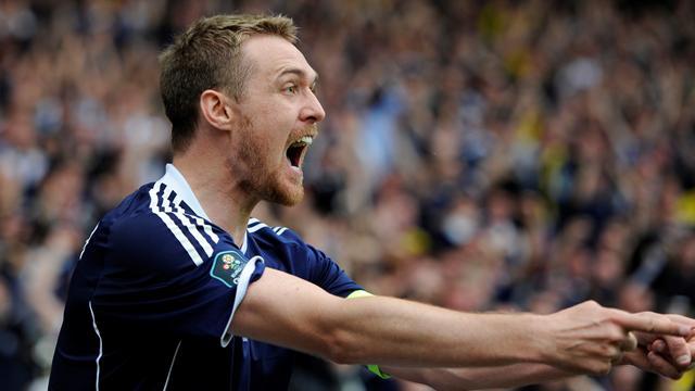 Fletcher to train with Scotland, Rhodes recalled