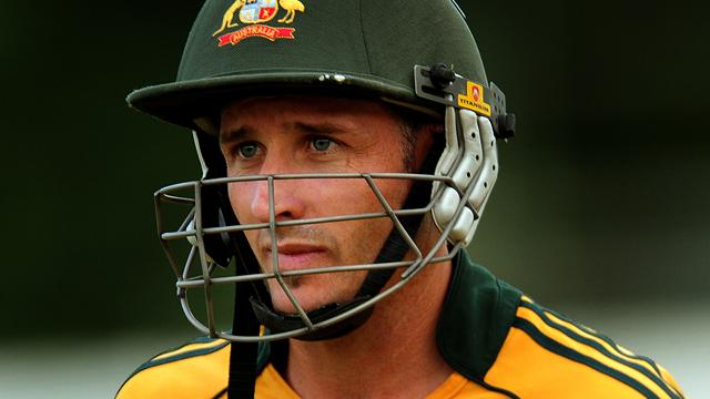 Hussey withdraws from England series