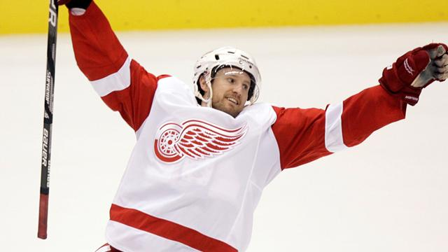 Red Wings extend Kronwall's deal
