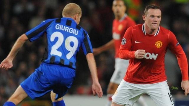 """Rooney """"fantastique"""" même au milieu"""
