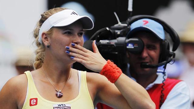 Li, Wozniacki survive Sydney scares