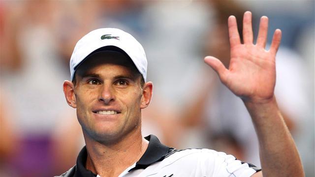 Roddick moves into last eight