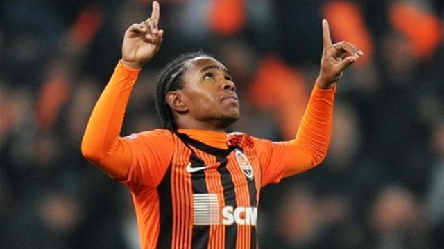 Willian joins Anzhi for fee of 35 million euros