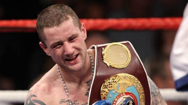 Burns to fight Mitchell for world title