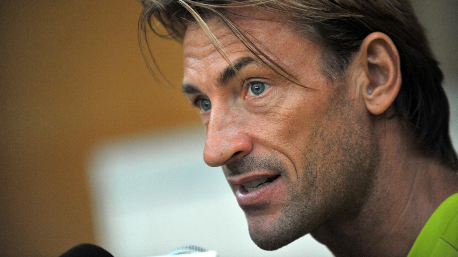 Classify French coach, Hervé Renard.