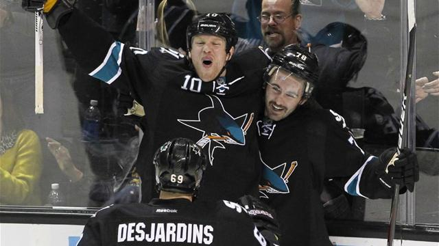 Sharks rout Capitals