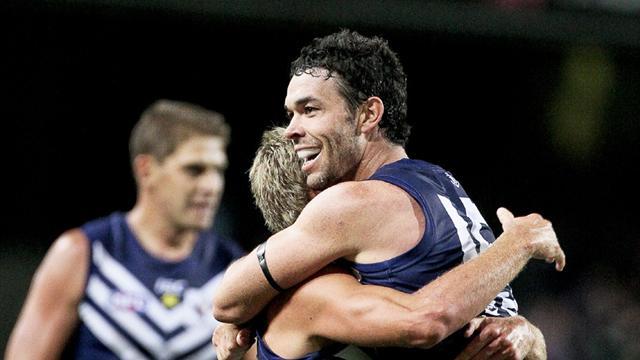 Fremantle fight off Melbourne