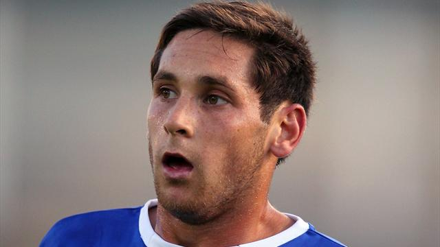 Furman signs Oldham contract
