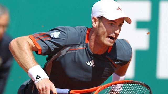 Murray through after Benneteau injury